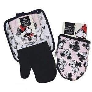 Disney Minnie Mouse Oven Mitt Pot Holder Set